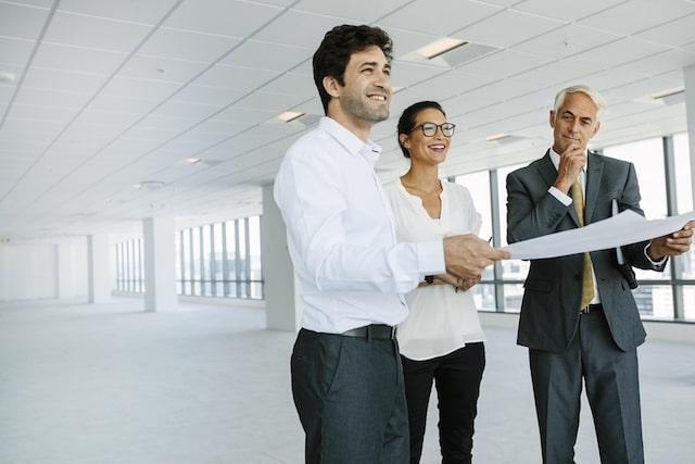 Faktor-Faktor Yang Harus Anda Pertimbangkan Sebelum Memilih Ruang Kantor